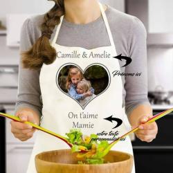 """Tablier de cuisine avec photo et prénoms personnalisés """"On t'aime Mamie"""""""